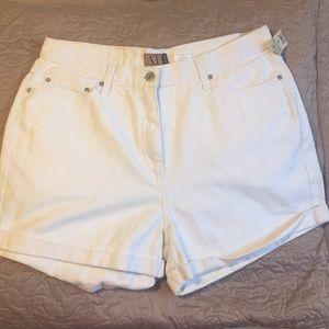 Ann Taylor white denim cuffed shorts. Sz 14